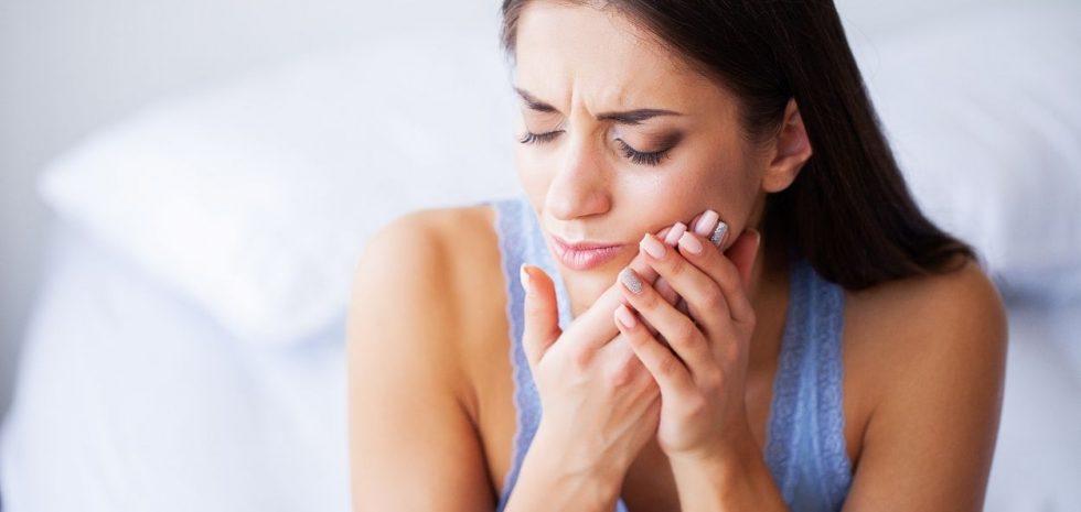 Jak dbać o nadwrażliwe zęby?